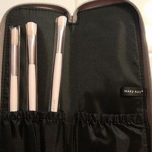 Limited edition brush set